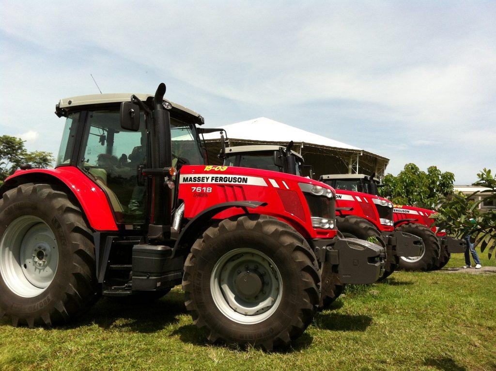 Massey Ferguson Farm Tractor Owners Service & Repair Manual - sagin
